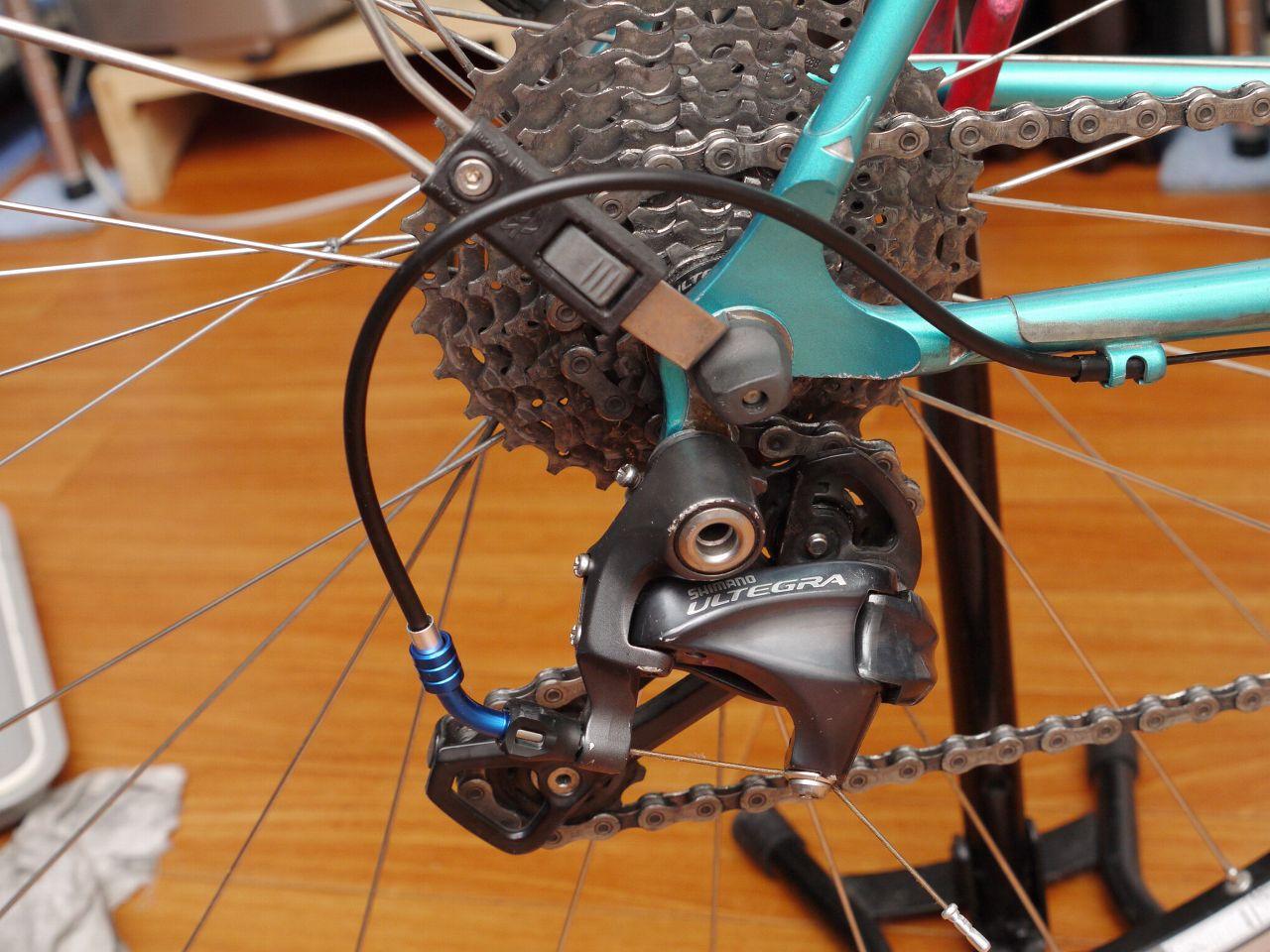 ちょっとした自転車小物:変速バナナ、ベル、フレームプロテクタなど